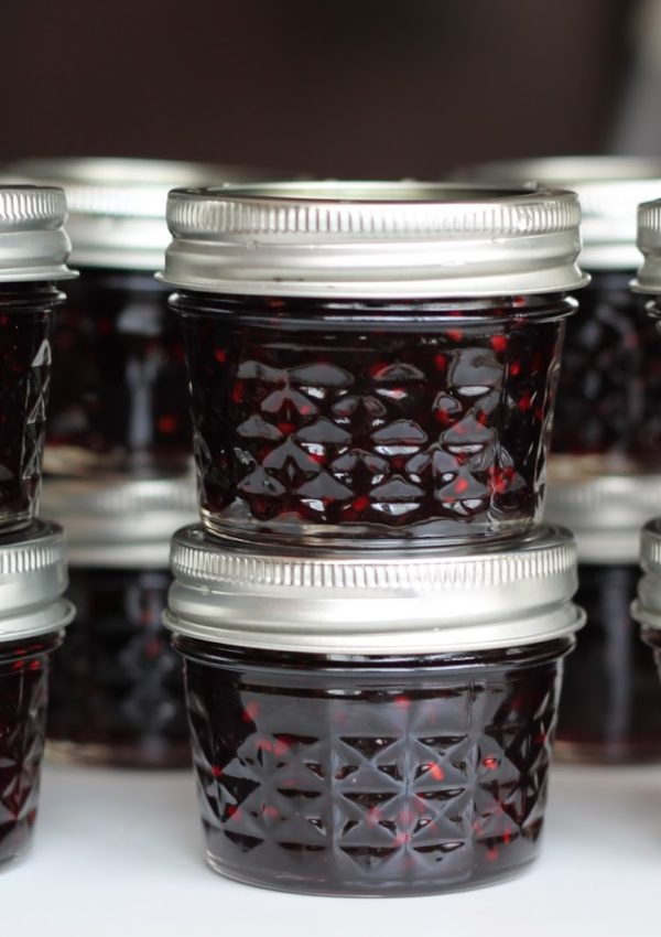 Delicious & Easy Christmas Gift: Homemade Blackberry Jam