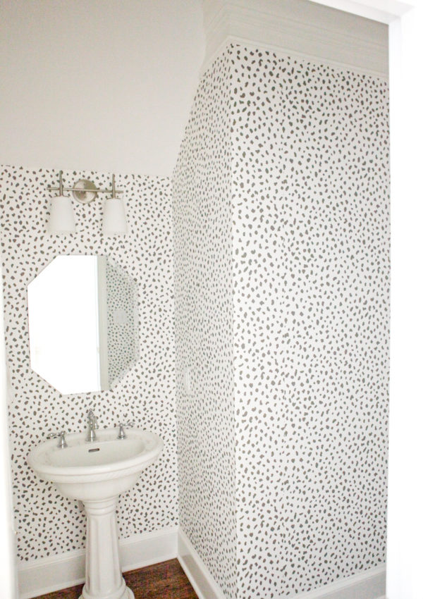 Home Tour: The Powder Room