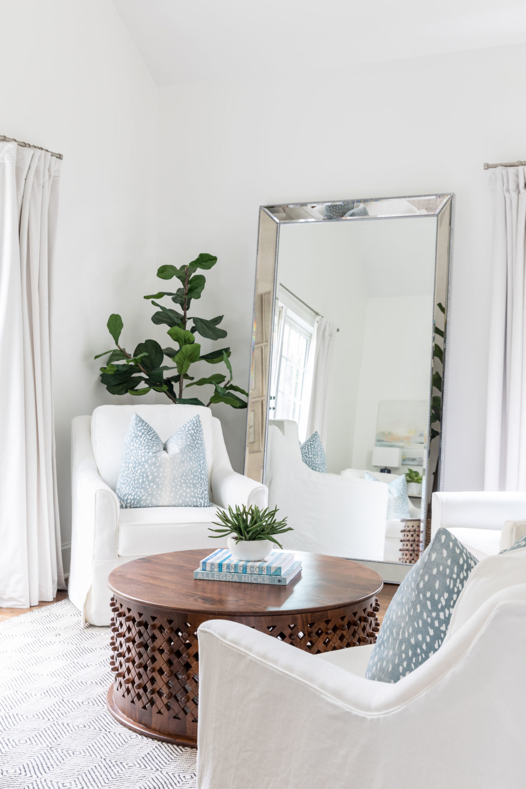 chairs and coffee table design
