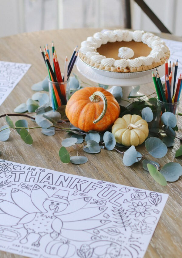 Simple Kids Thanksgiving Tablescape